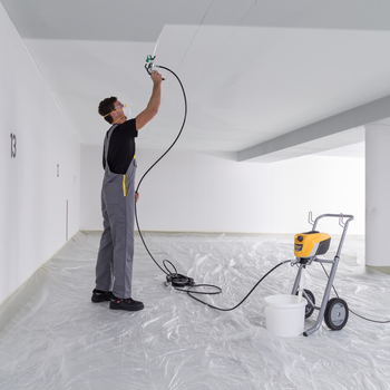 Professional airless paint spraying with up to 55% less overspray and maximum control