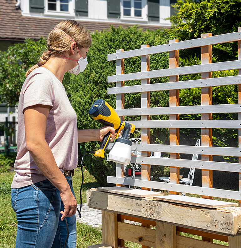 Spray the pallet, boxes and trellis