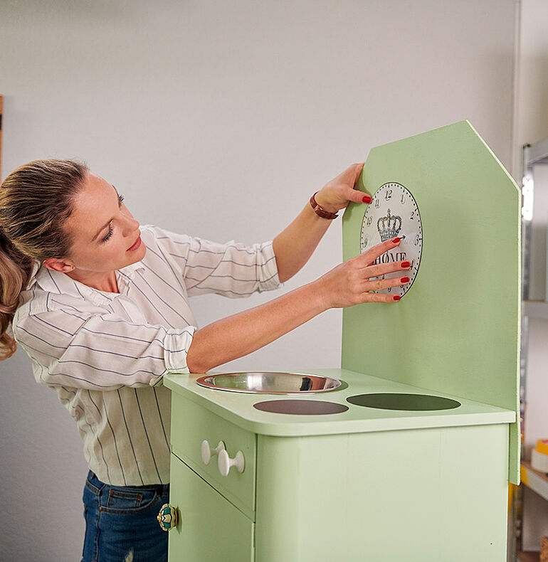 Designing and decorating children's kitchens