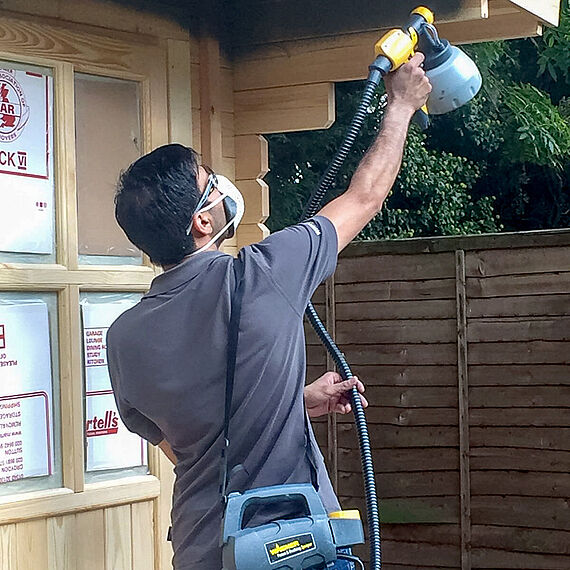 Spraying with Fence&Decking Sprayer